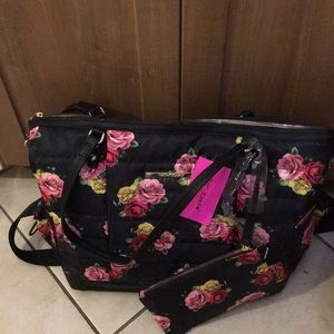 New Betsey Johnson Rose Floral Gym Tote w Wristlet